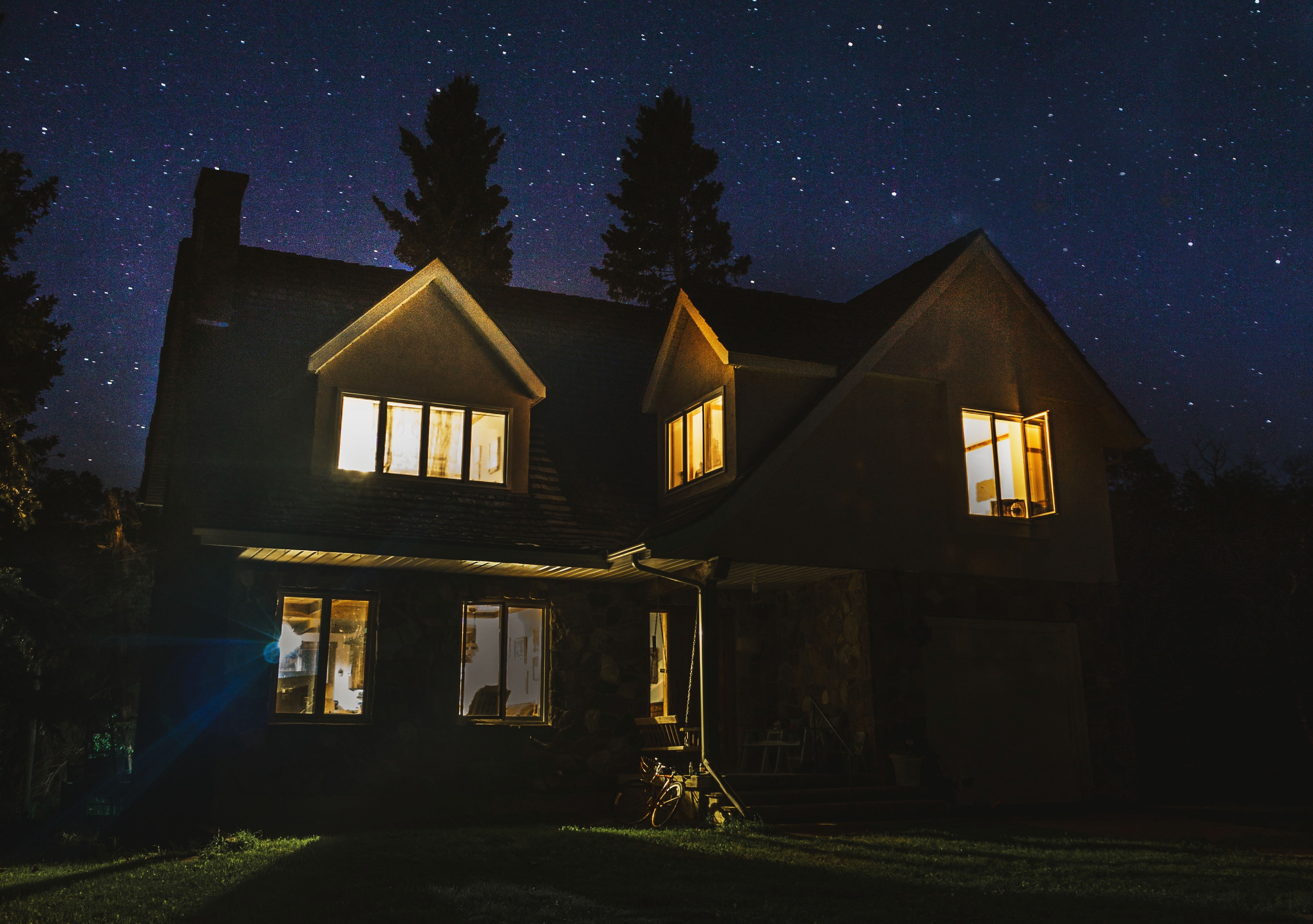 smart-home-at-night